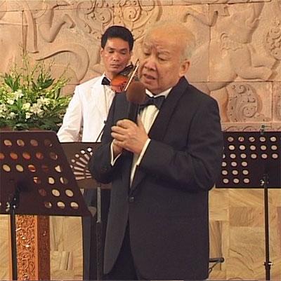 https://norodomsihanouk.info/All/singing/Image/Fleur-de-vietntiane.jpg